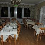 Breakfast Room at Killarney Lodge was cheery.