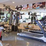 Exercise Room / Cuarto de ejercicios