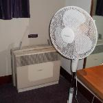"STRANGE AIR ""CONDITIONER "" WITH FAN SUPPORT !!"