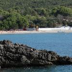 Пляж и бухта