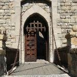 Drawbridge gate
