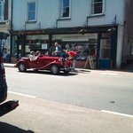 BBC Antiques Roadtrip visit to Crediton - 45 minutes free parking right outside, any car will do