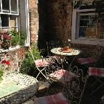 The courtyard at Coffee Darling