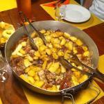 tegame di stufato con patate