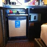 Minibar, safe, room also had a fridge