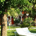 L'albergo visto dal giardino