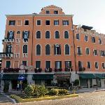 The hotels entrance from Granviale Santa Maria Elisabetta