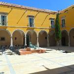 Courtyard for breakfast, lunch, dinner & drinks