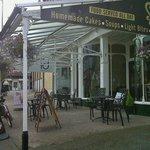 صورة فوتوغرافية لـ Sally's Coffee House