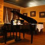 live piano wed-sat--------- 6pm-9pm