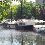 van Loon-Restaurantschiffe im Kreuzberger Urbanhafen