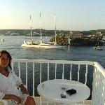 La vista es extraordinaria a la bahía de Mahón