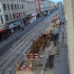 Obra grande na rua na frente do hotel atrapalhava a entrada