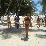 Club de playa, clases de baile y aerobicos