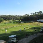 vue sur le golf depuis la terrasse du petit-déjeuner