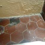 propreté du carrelage de la salle de bain