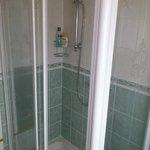 Rose Cottage - Bathroom
