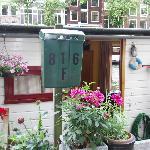 816F Mailbox and front door