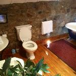 Sir John Laverty's suite - main bathroom