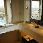 Bright Bathroom- welcome on early mornings!