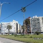 calle q baja del hotel