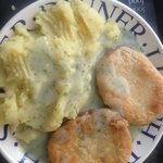 yamming some pie and mash