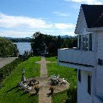 Vue sur le lac à partir du balcon de la chambre