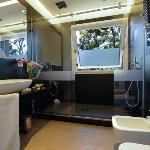 il bagno della camera Magnolia con doppio soffione a cascata (48749452)
