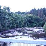 Intakte Brücke über die Falls of Clyde