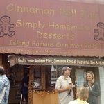 Foto de Cinnamon Roll Fair
