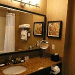 Lovely clean bathrooms with lots of clean towels