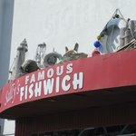 Foto de Sally's Famous Fishwhich