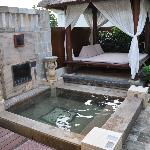 PRIVATE POOL AND GARDEN of VILLAS