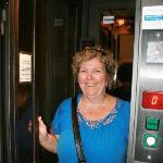 hydraulic lift - Daphne Hotel Roma Italia