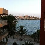 Vista fuori dalla camera di Figueretes e la Dalt Villa sullo sfondo