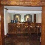 the bar in the presidential suite villa