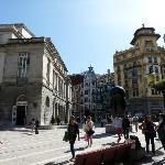 Teatro Campoamor visto desde la calle Pelayo