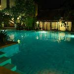 Pool Access Room Communal Pool - shared with 7 rooms