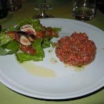Tartare di carne cruda di maremmana con insalata di fichi SENZA ricotta salata