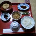 朝食 がんもどき・切り干し大根・のり・梅干し・昆布・お味噌汁・ごはん