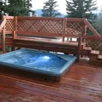 NEW Hot Tub!  With Spectacular Views ~ on a Hill