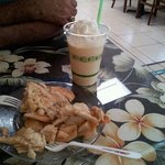 apple pie and smoothie, yummy