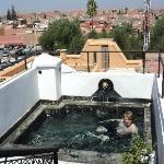 kleiner Pool auf dem Dach