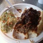 pulled pork and coleslaw. mmmmm mmmm!