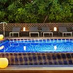 Piscina de noche - Plunge pool by night