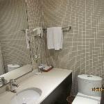 reasonable sized bathroom with bathtub