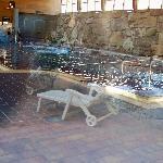 Vista desde el exterior de la piscina termal
