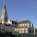 De Grote Kerk gezien vanaf de Grote Markt, Breda