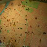 Mapa mural en recepción que usa el personal para enseñarte BKK