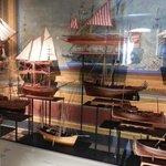 Skeppsmodeller på marina museet